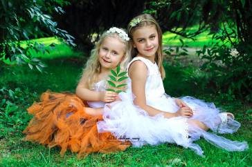 Nina i Zuzanna w zaczarowanym ogrodzie